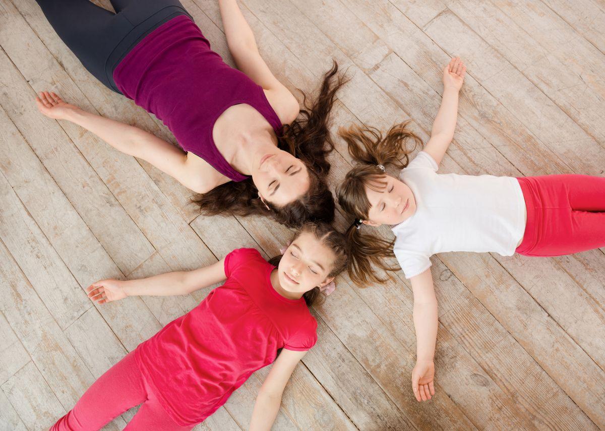 Yogakinder in der Schule