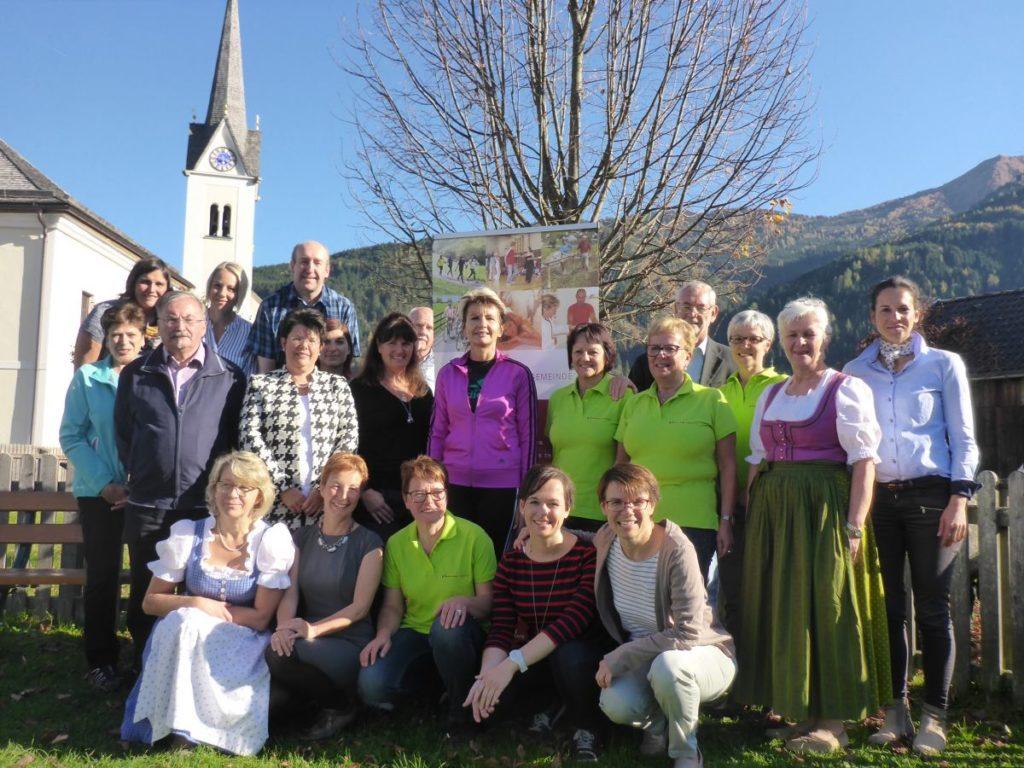 VertreterInnen der Gesunden Gemeinden im Pinzgau, Pongau und Lungau mit den AVOS-MitarbeiterInnen.